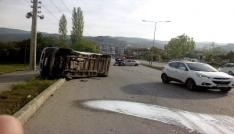 Tokatta minibüsle otomobil çarpıştı: 4 yaralı