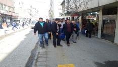 Edirnede pazarcı esnafı süpermarketi bastı