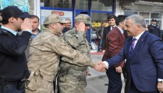 Bakan Arslandan belediye başkanının yakınlarına taziye ziyareti