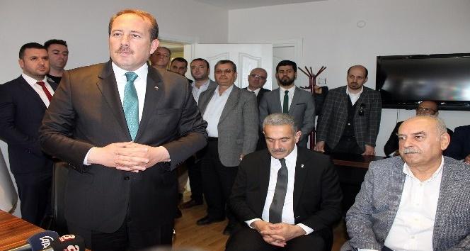 """AK Parti Genel Başkan Yardımcısı Karacan: """"Suriye halkı rejim değişikliği istiyor"""""""