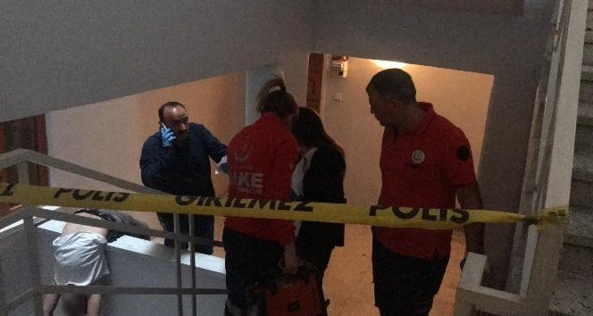 Aksarayda bir kişi apartman boşluğunda ölü bulundu