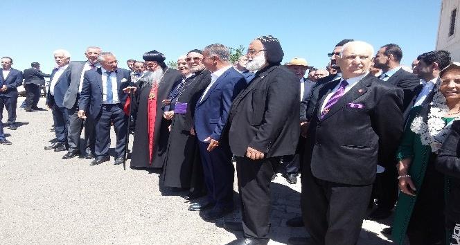 Gercüş'te tarihi manastır 100 yıl sonra ibadete açıldı