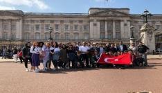 Öğrenciler İngilterede eğitim alıyorlar