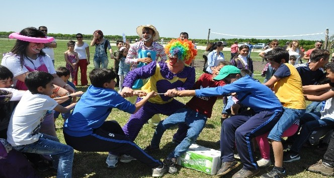 Hastane çalışanları piknik şenliğinde buluştu