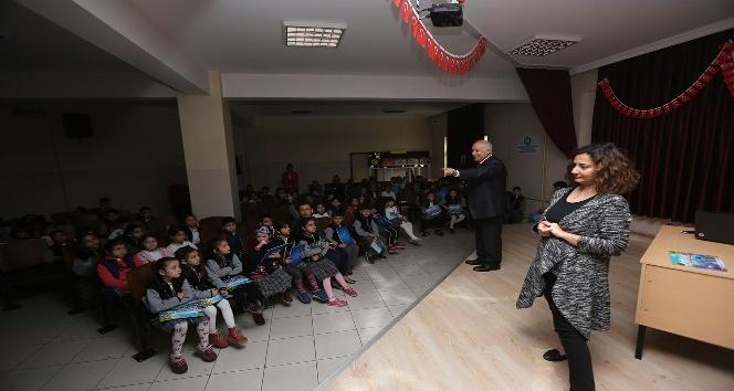 """Büyükşehir öğrencilere """"Trafik Bilinci Yaşama Sevinci"""" projesi anlattı"""