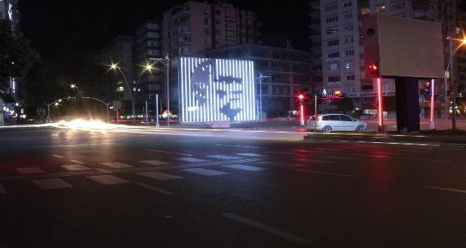 Adana'nın kavşakları ışıl ışıl