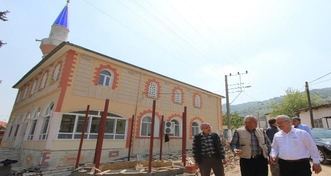 Saruhanlı Belediyesi Çınaroba'yı yatırımlarla donatıyor