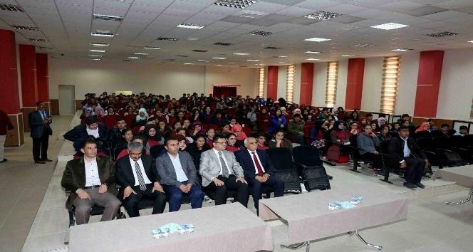 """Gürpınar'da """"Destanlaşan Çanakkale"""" konferansı"""