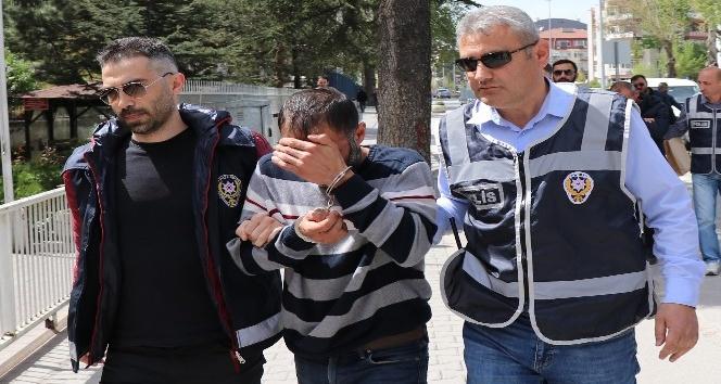 Milyonluk vurgun yapan nakliye çetesi İstanbul'da yakalandı
