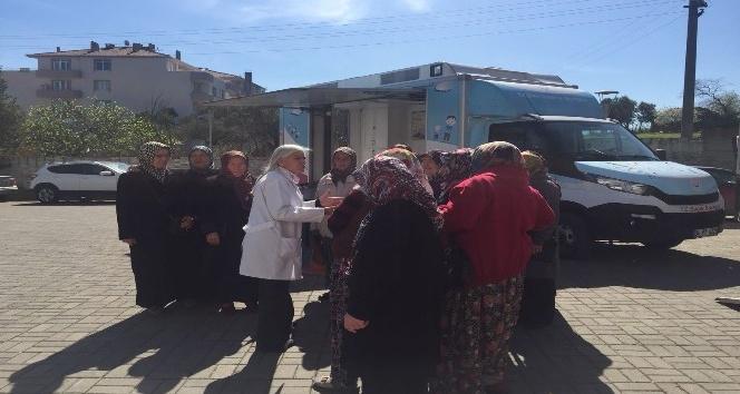 Manyas'ta 742 bayanın mamografisi çekildi