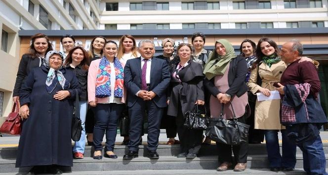AK Parti Melikgazi Kadın Kollarından Melikgazi Belediyesine ziyaret