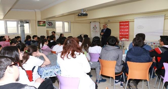 Medical Park'tan öğrencilere hemofili dersi