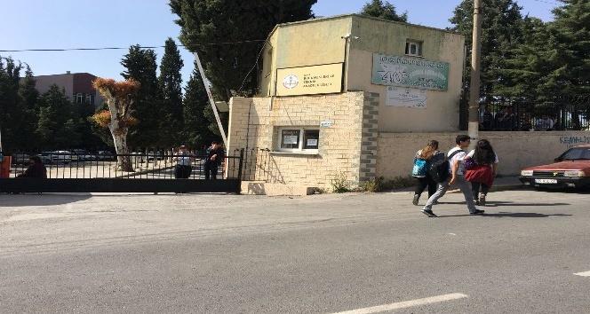 Buca'da zehirlenen öğrencilerin tedavileri sürüyor