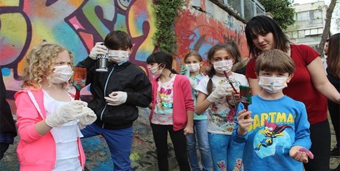Disleksili çocuklar VR ile sanal gezintiye çıktı, graffiti ile Beşiktaş duvarlarını renklendirdi