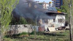 Sivasta kokutan ev yangını