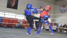 Hakkaride Muay Thai İl Şampiyonası düzenlendi