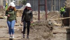 Karsta tarihi binalara kadın eli değdi