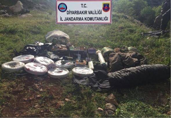 Diyarbakır'da teröre büyük darbe: 4 terörist etkisiz hale getirildi