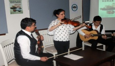Görme engelli Medine öğretmenden konser
