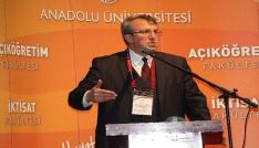 Anadolu Üniversitesi Açıköğretim Fakültesinde başarılı öğrenciler belgelendirildi