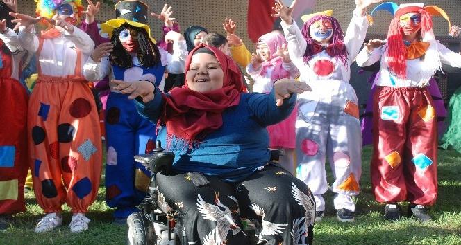 Engelli öğrenciler 23 Nisanı kutladı