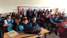 Kaymakam Duru Ayşepınar Ortaokulunu ziyaret etti