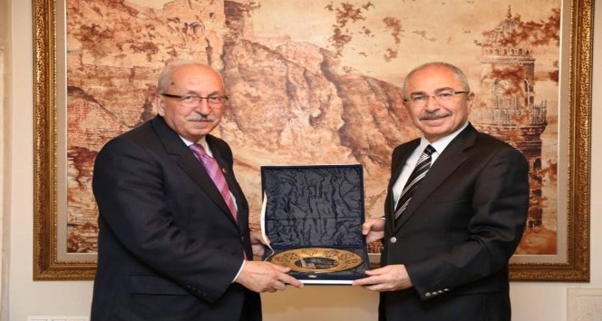 Başkan Albayraktan, Mardin Valisi Yamana ziyaret