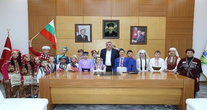 Başkan Toçoğlu, Uluslararası Halk Oyunları Delegasyonunu ağırladı