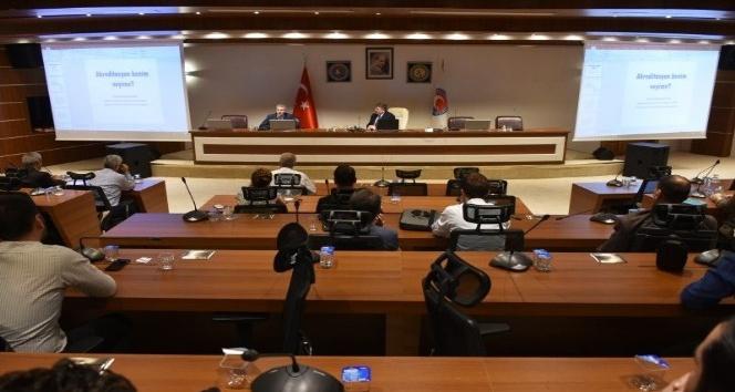 SAÜlü Dekan, MAKÜde Akreditasyon Çalışmalarına Yönelik toplantıya katıldı