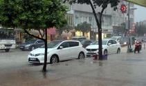 Hatay'da aşırı yağış, sele neden oldu