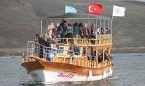 Bin 700 rakımda tekne turu