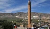 Hasankeyf'te El Rızk Camii minaresi, sökülerek taşınacak