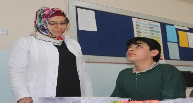 Görme engelli Muhammetin Kuranı Kerim aşkı