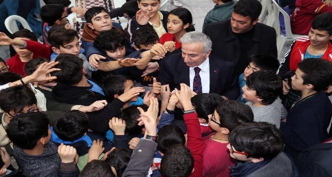 """Vali Süleyman Kamçıdan """"23 Nisan Ulusal Egemenlik ve Çocuk Bayramı"""" Mesajı"""