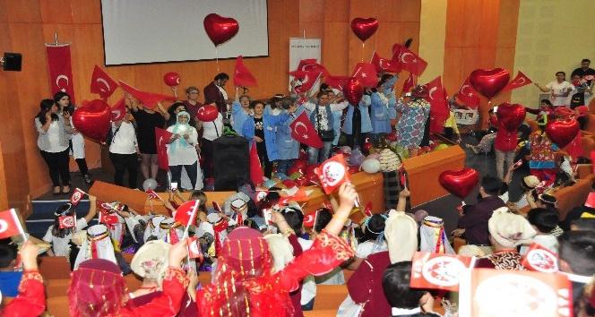 Tedavi gören minikler 23 Nsanı hastanede kutladı