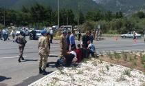 Askerleri taşıyan midibüs kaza yaptı: 25 yaralı