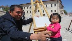 Mülteci çocukların 23 Nisan sevinci