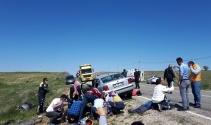 Kırşehir'e düğün yolunda kaza: 10 yaralı