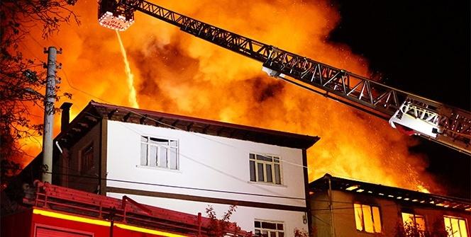 Gece yarısı doğalgaz patlaması! Birçok ev tanınmaz hale geldi...