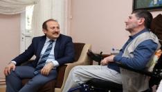 Vali Pehlivan evde sağlık hizmeti alan hastaları ziyaret etti