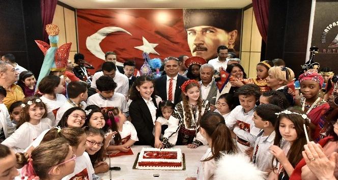 15 ülkenin çocukları Muratpaşa Uluslararası Çocuk Meclisinde buluştu