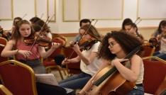 Çocuk Senfoni Orkestrası Tiranda