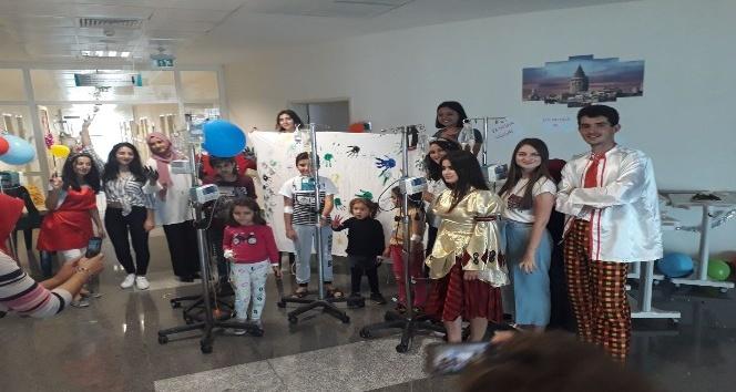 Alanyada çocuklara 23 Nisan sürprizi