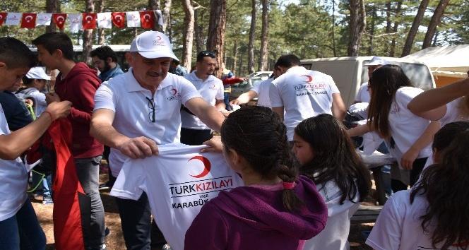 Kızılay Karabük Şubesi çocuklar ile 23 Nisan Çocuk Şenliği etkinliğinde bir araya geldi