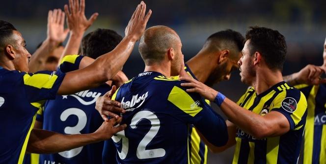 Fenerbahçe - Antalyaspor maçından kareler...