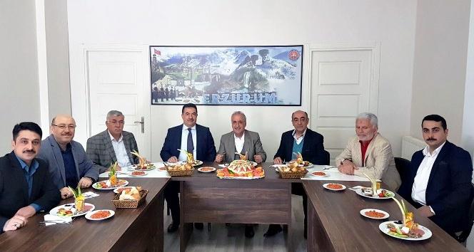 Rektör Çomaklı, Erzurum İli Tanıtma Derneğinin konuğu oldu