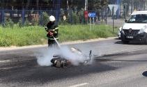 Motosiklet ve otomobil çarpıştı: 1 ölü