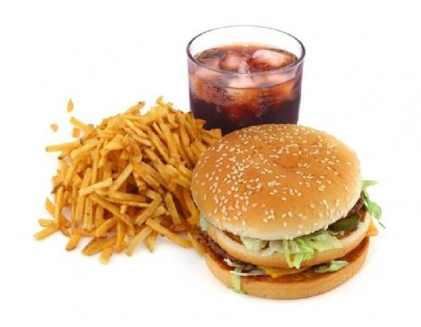 Fast food devinden şok karar!