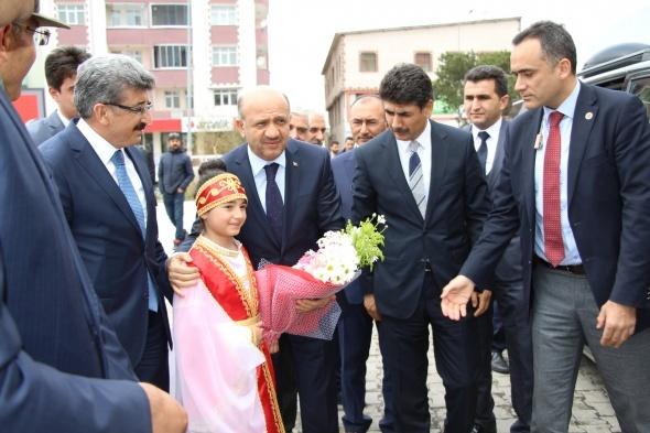 Hükümetten Gül'ün adaylık kararına ilk yorum!