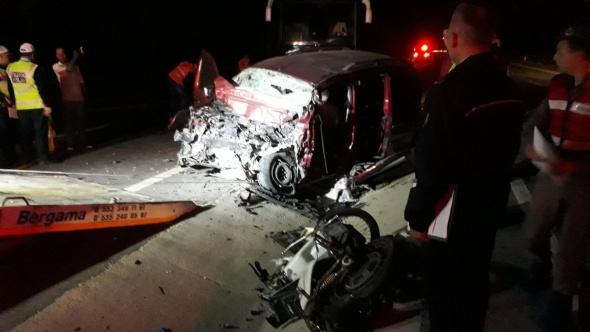 İzmir'de katliam gibi kaza: 5 ölü, 1 ağır yaralı